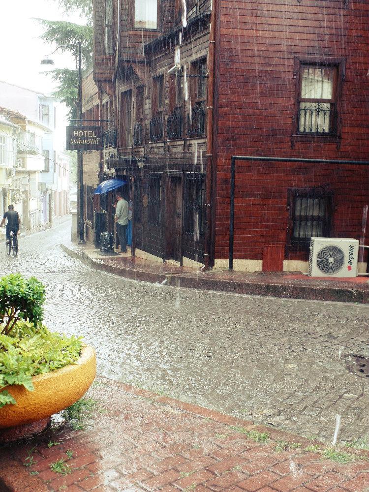 Βροχή στην Κωνσταντινούπολη