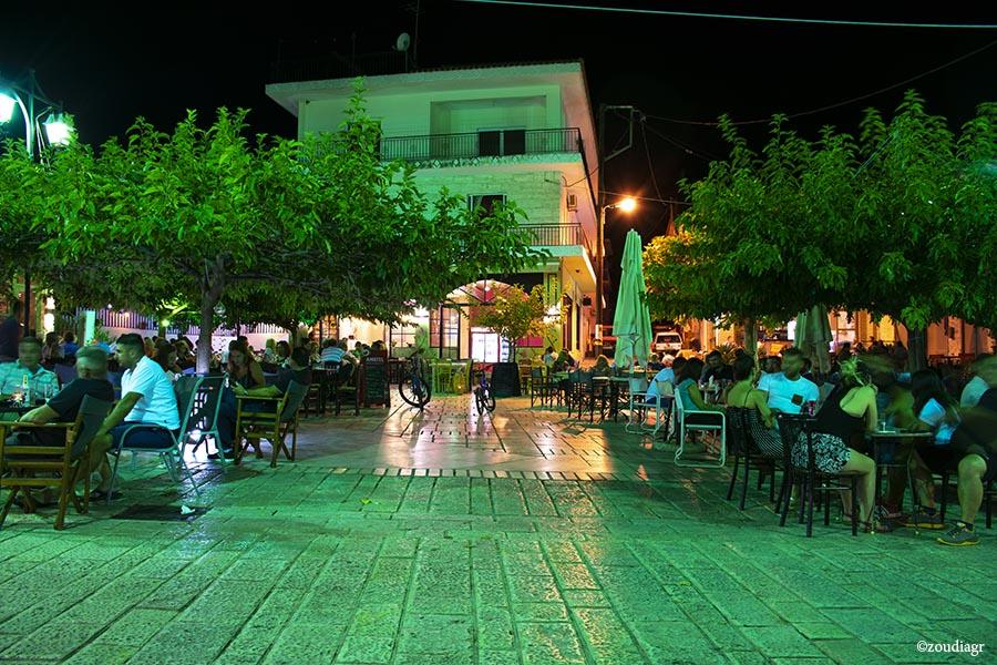πλατεία Ακράτα